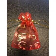 7 x 9 cm Dovanų pakavimo maišeliai iš organzos - juvelyrikos, bižuterijos papuošalams, raudonos spalvos, ornamentas aukso spalvos-širdelė.