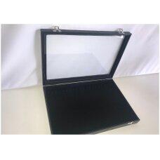 Papuošalų dėžutė  su stikliniu dangčiu  grandinėlėms, dydis 25 x 35 cm , juodas aksomas.