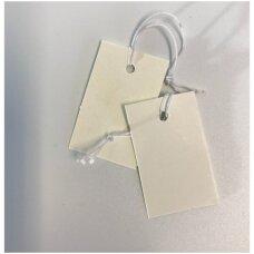 Etiketės su gumyte - juvelyrikos, bižuterijos prekių markiravimui, BIZ-3,7x2,3 balta spalva(1000 vnt).