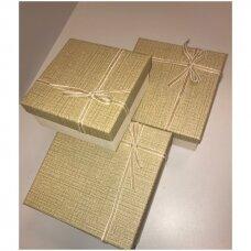 Popierinė dvispalvė dviejų dalių dovanų pakavimo dėžutė 18 x 18 x 9,5(1 mod), 3 vnt komplektas