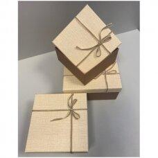 Popierinė dvispalvė dviejų dalių dovanų pakavimo dėžutė 18 x 18 x 9,5(3 mod), 3 vnt komplektas