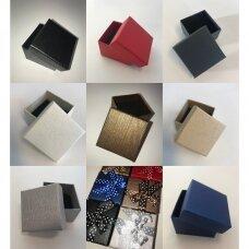 9 x 9 x 3 сm(h) Spalvota popierinė dviejų dalių dovanų dėžutė papuošalams. 10 SPALVŲ!! Pakuotė 12 vnt
