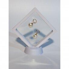 7 x 7 x 2cm(h) Universali dovanų pakavimo dėžutė 3D  su tampria plėvele - papuošalams, juvelyrikai, numizmatikai, nuotraukoms. Balta spalva